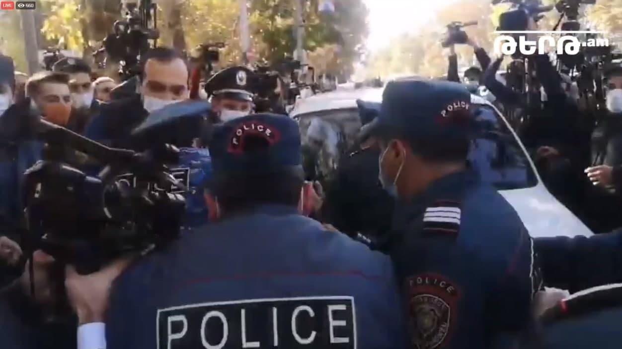 Ermənistanda mitinq başlayıb FOTO-VIDEO