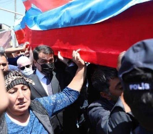 Hikmət Hacıyev şəhid operatoru son mənzilə yola saldı - FOTO