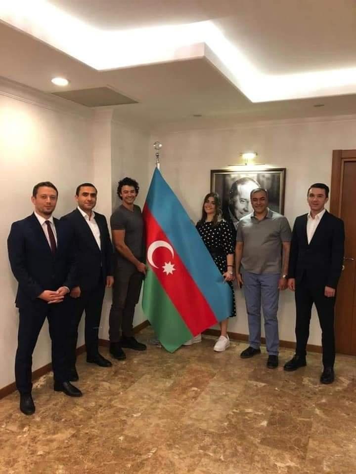 Van Damın azərbaycanlı gəlini kimdir? - FOTOLAR
