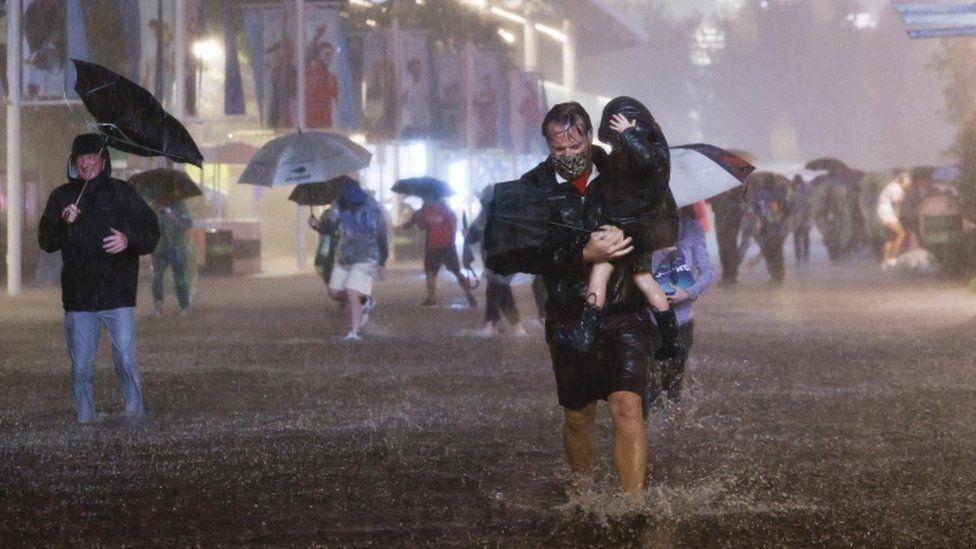 ABŞ-da güclü yağışlar 45 insanın həyatına son qoydu - FOTO/VİDEO