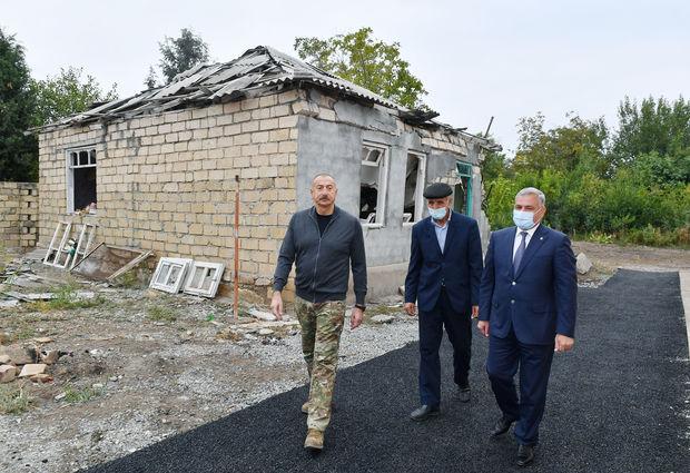 """Prezident """"Smerç"""" düşən nöqtədə: """"Əvvəlki ev budur?"""" - FOTO"""