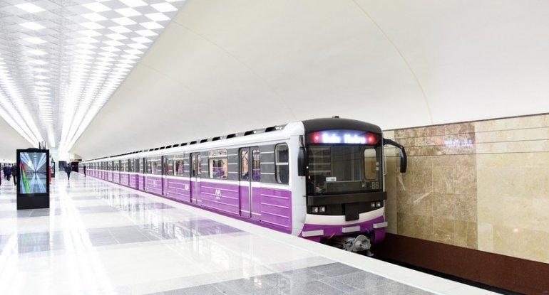 Bakı metrosunda bəzi qatarlar gecikmə ilə hərəkət edir