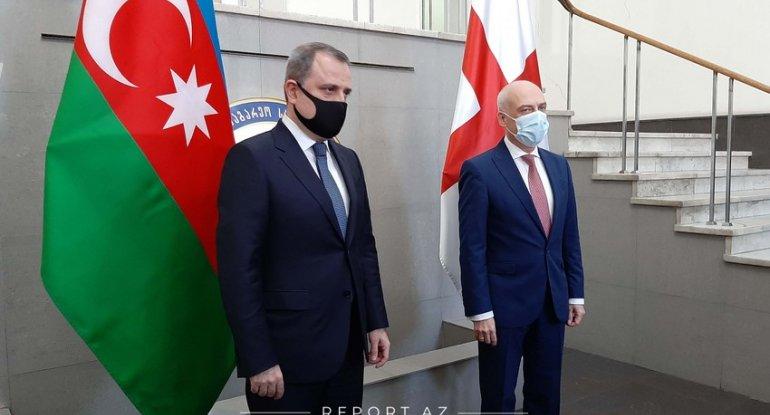 Azərbaycan və Gürcüstan XİN başçılarının görüşü başladı