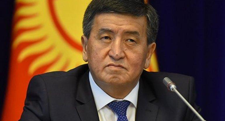 Qırğızıstan prezidenti istefa verdi