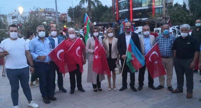 Antalyada Gəncə terroruna etiraz olaraq aksiya keçirilib - FOTO