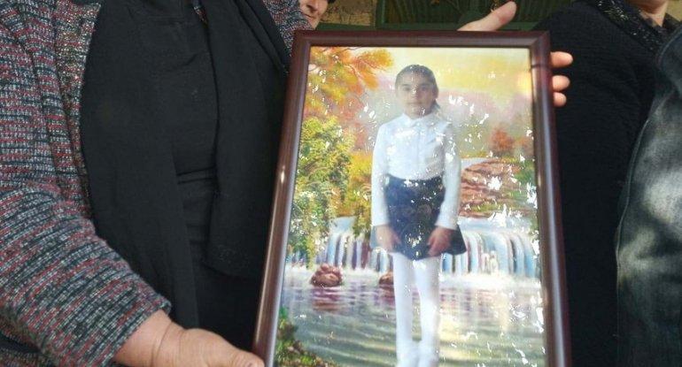 Bərdədə həlak olan 7 yaşlı Aysu dəfn olundu - FOTO