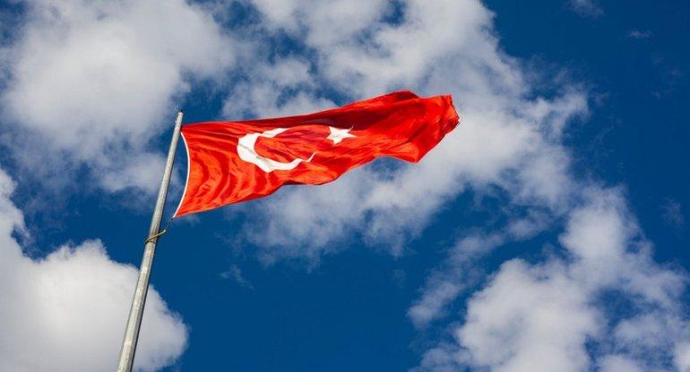 Diasporla İş üzrə Dövlət Komitəsi 46 min manatlıq Türkiyə bayrağı alıb