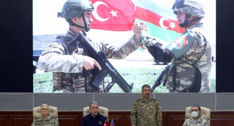 """""""Azərbaycan xalqı qələbə həsrəti ilə yaşayırdı"""" - Zakir Həsənov"""