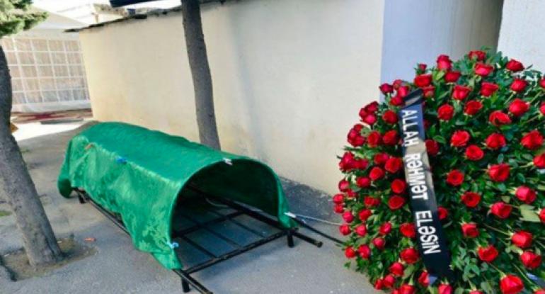Əməkdar jurnalist öz ad günündə vəfat etdi - FOTO