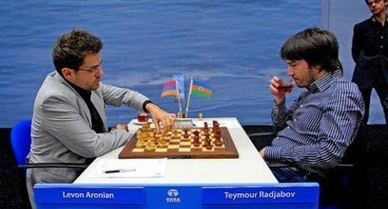 Teymur Rəcəbov Levon Aronyana qarşı