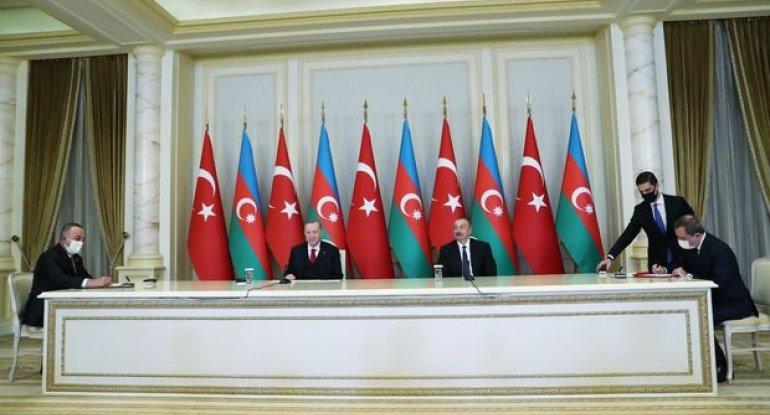 Azərbaycan və Türkiyə arasında pasport rejimi ləğv edilir - FOTO