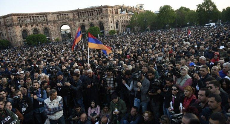Bu gün Ermənistan müxalifəti yolları bağlayacaq