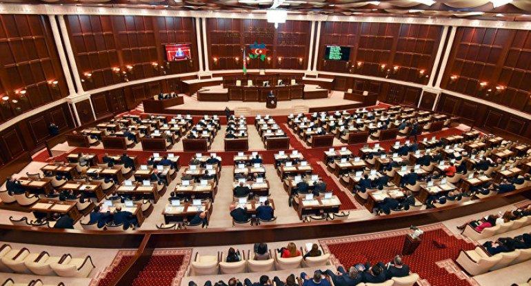 Milli Məclisdə 2021-ci il büdcə zərfinin müzakirələrinə başlanılıb