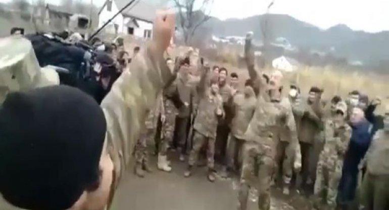 Ali Baş Komandan İlham Əliyevin əsgərlərlə səmimi söhbəti - VİDEO