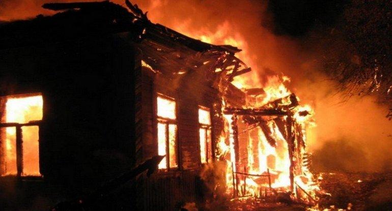 Ermənilər Azərbaycana qaytarılan Şurnux kəndində evləri yandırıblar