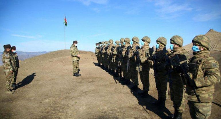 Prezident göstəriş verdi: Müdafiə naziri azad edilmiş ərazilərdəki ordunun döyüş hazırlığını yoxladı - FOTO