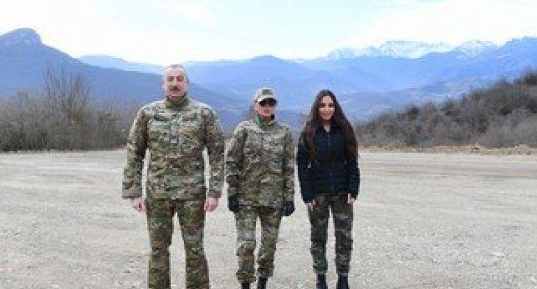 İlham Əliyev Büllbülün ev muzeyini ziyarət edib