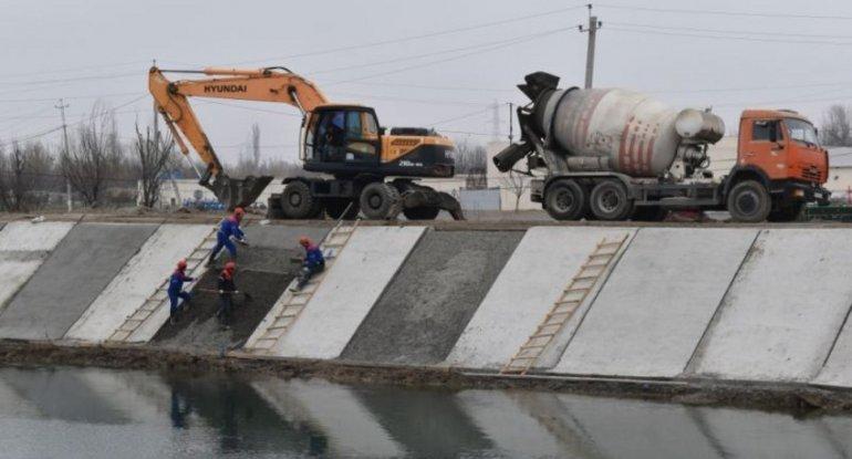 Yuxarı Qarabağ kanalında betonlama işləri aparılır