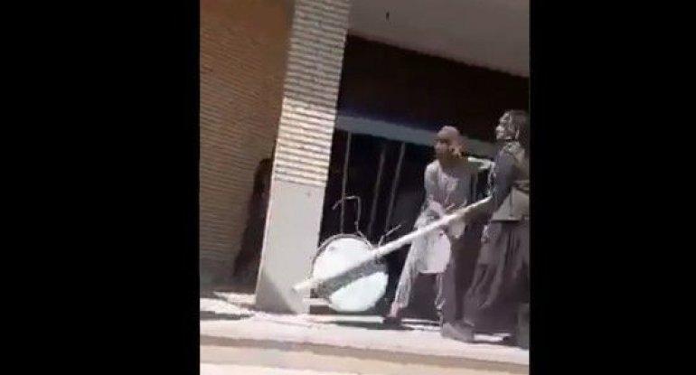 İranın Səravan şəhərində əhali etiraza qalxdı - VİDEO