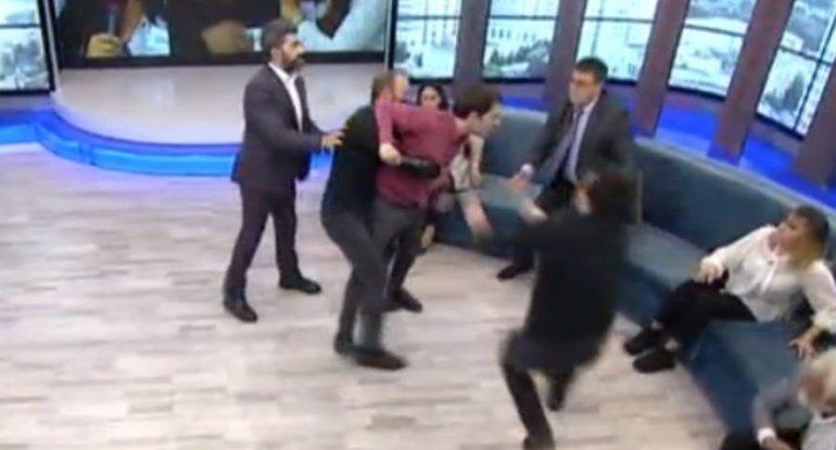 Zaurun verilişində oğlan qıza hücum etdi - VİDEO