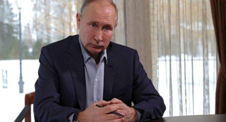 Putin vaksinasiyanın yan təsirlərinə qarşı gördüyü tədbirdən danışıb