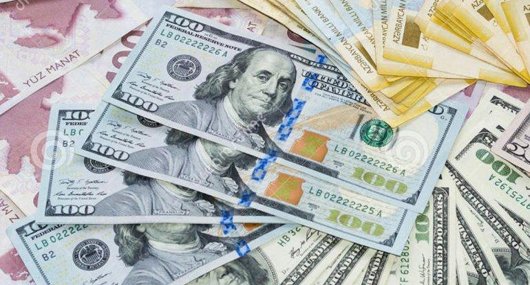 Dollar dəyər itirir - Manat bahalaşacaq?