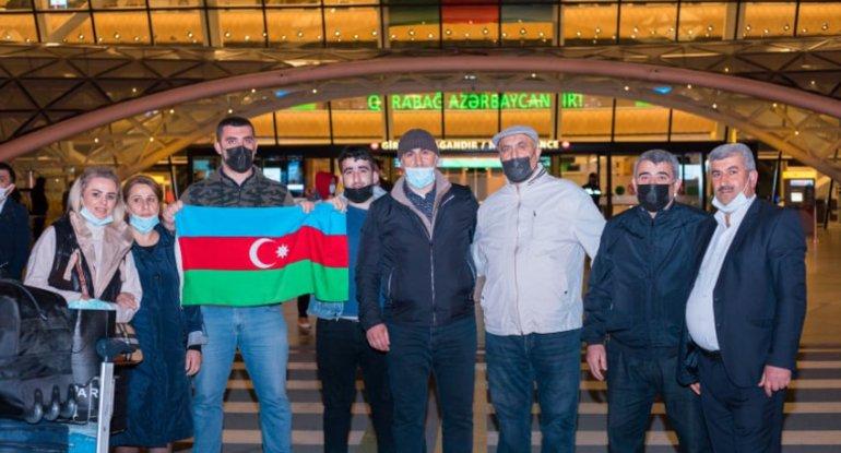 Türkiyəyə göndərilən 2 qazi sağalaraq Vətənə geri döndü - FOTO