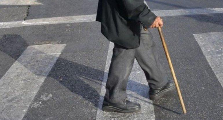 Sabunçuda ahıl kişini maşın vurdu: Vəziyyəti ağırdır