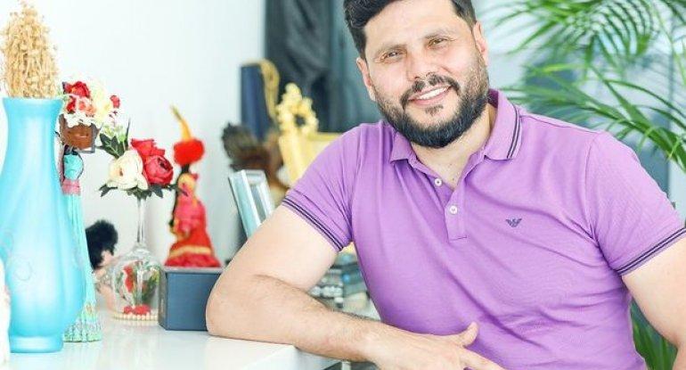 """Zaur Kamal ona bahalı hədiyyələr alan qadından danışdı: """"Məni evinə çağırdı..."""" – VİDEO"""