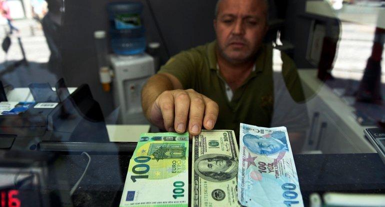 Avro və lirə ucuzlaşdı, dollar sabit qaldı - Məzənnə