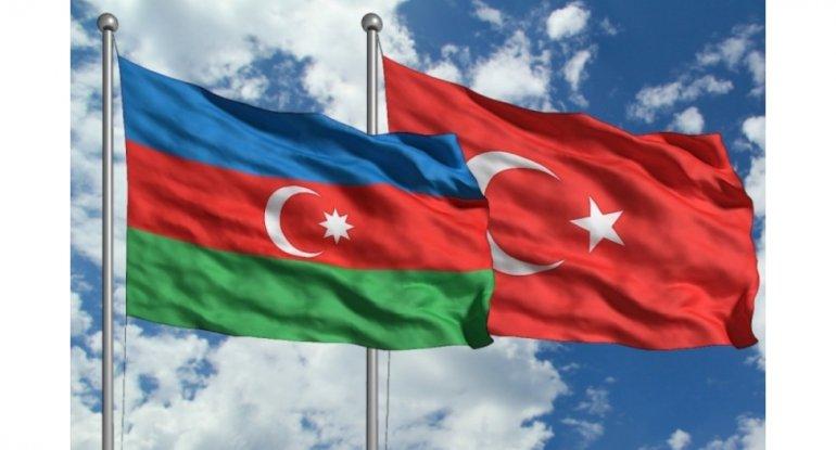 Türkiyəli nazir Azərbaycana gəlir