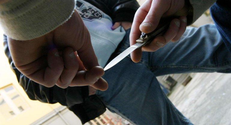 Bakıda kütləvi dava - ağız boşluğu, bilək və qarnından bıçaqlandı - VİDEO