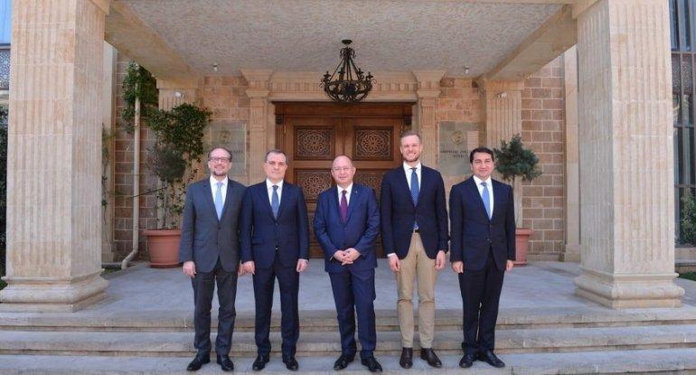 Ceyhun Bayramov Avropa İttifaqının üç ölkəsinin XİN başçısı ilə görüşdü