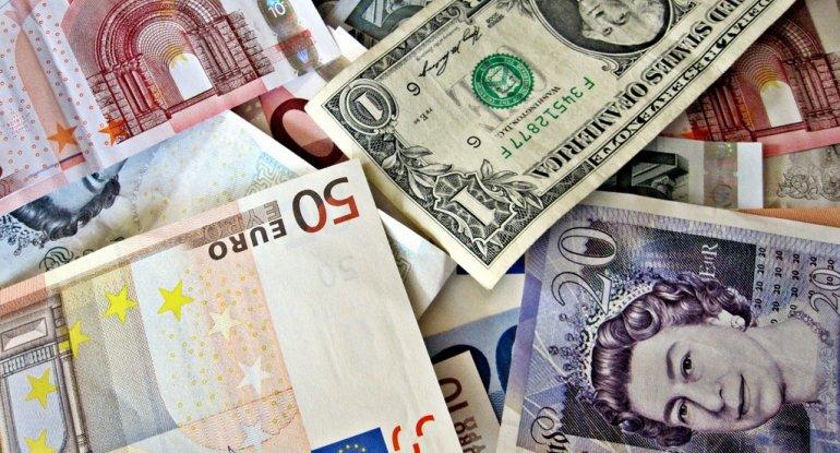 Dollar, rubl və lirə sabit qaldı, avro bahalaşdı - Məzənnə
