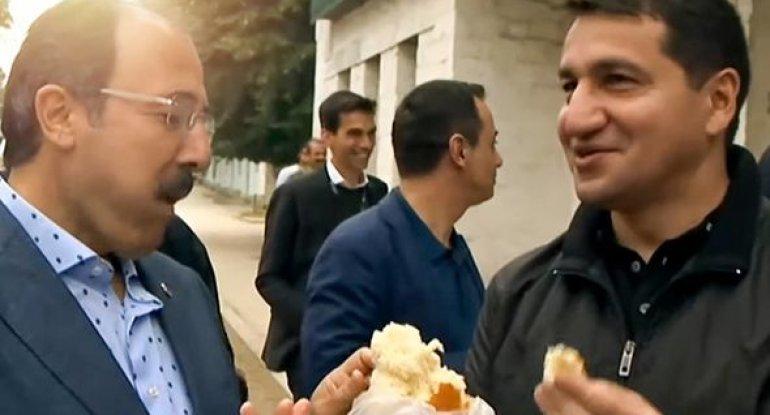 Hikmət Hacıyev Türkiyə səfiri ilə Şuşada çörək kəsdi - VİDEO