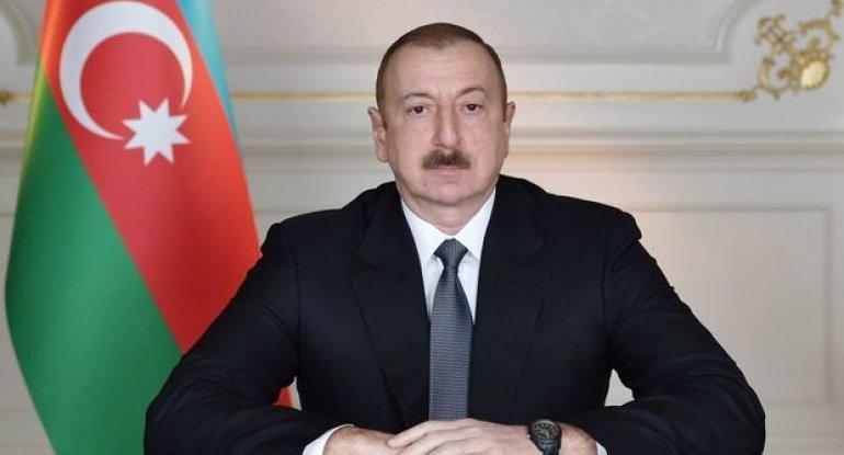 Prezident Rafiq Nəsirova ev hədiyyə etdi - FOTO
