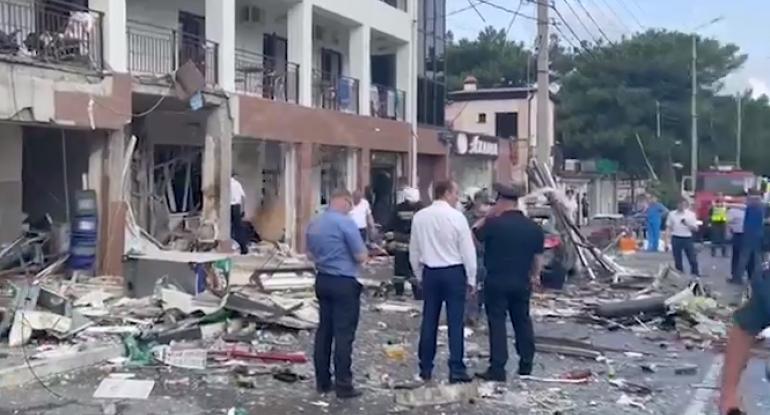 Rusiyada güclü partlayış: 1 nəfər öldü, 4 nəfər yaralandı - VİDEO