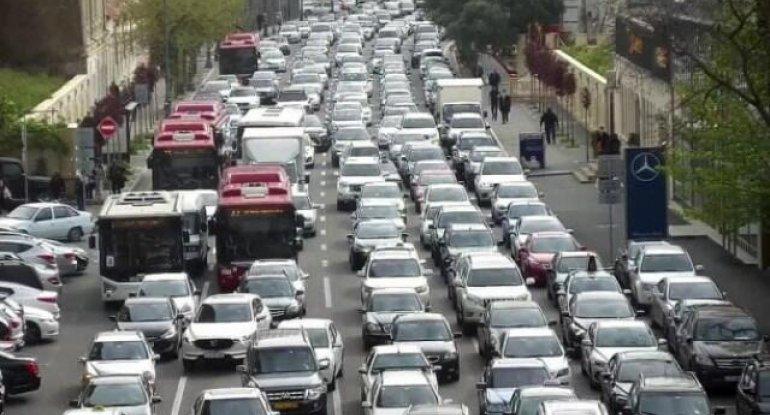 Sürücülərin DİQQƏTİNƏ: Bakının bu yollarında tıxac var - SİYAHI