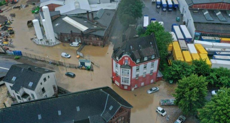 Almaniyada sel nəticəsində 6 bina çökdü: itkin düşənlər var - FOTO
