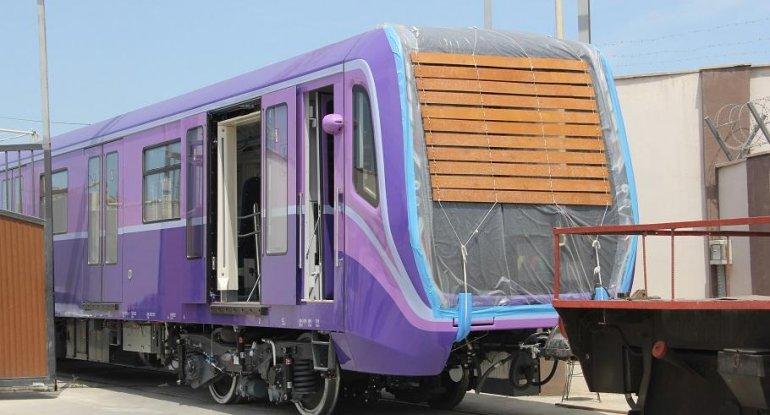 "20 yeni metro vaqonu ""Nərimanov"" elektrik deposuna gətirilib - FOTO"