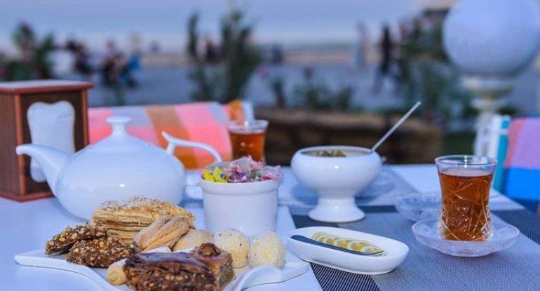 Sumqayıt bulvarında çay 50 manata satılır - VİDEO