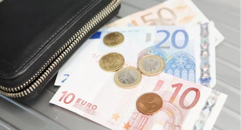 Avro və lirə bahalaşdı, rubl və dollar sabit qaldı
