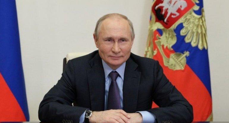 """Putin: """"Mənim mobil telefonum yoxdur"""""""