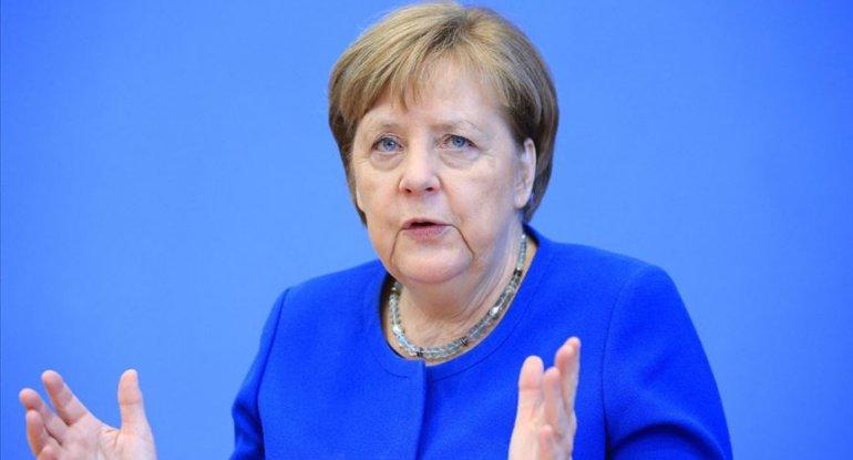 """Merkel: """"Talibanla danışığa getməyə məcburuq"""""""