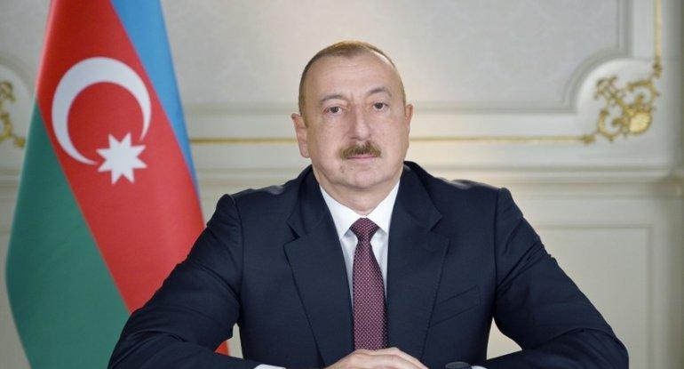 Prezident 71 saylı orta məktəbdə - FOTO