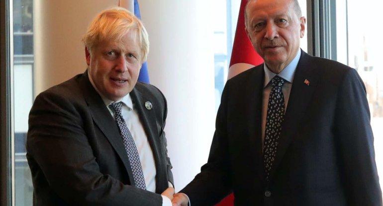 İngiltərə baş naziri Boris Consondan Ərdoğanla görüşündə şok etiraflar