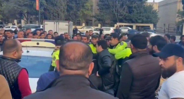 Bakıda sərxoş sürücü ilə polis arasında insident - ANBAAN VİDEO