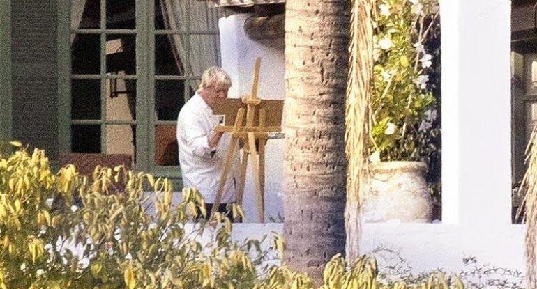 Ölkəsi böhran yaşayan baş nazirin lüks villadakı istirahəti tənqid edildi - FOTO